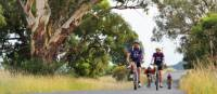 Cycling through the rural landscapes near Mudgee | Mudgee Region Tourism