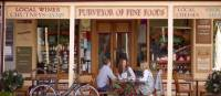 Enjoying the fine produce and goods of Victoria's High Country in Beechworth | Robyn Lea