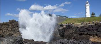 The famous Kiama blowhole and lighthouse | Destination NSW
