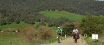 Cycling the Murray to Mountains Rail Trail near Eurobin | Rail Trails Australia